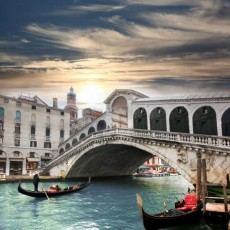 Фотообои Венецианский мост Реальто DECOCODE 31-0117-WL (300х280 см)