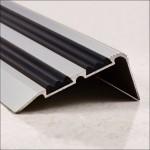 Порог-угол Д02 68х30,8мм алюминиевый анодированный с 2 резиновыми вставками серебро (НЕ) длина 1,8м